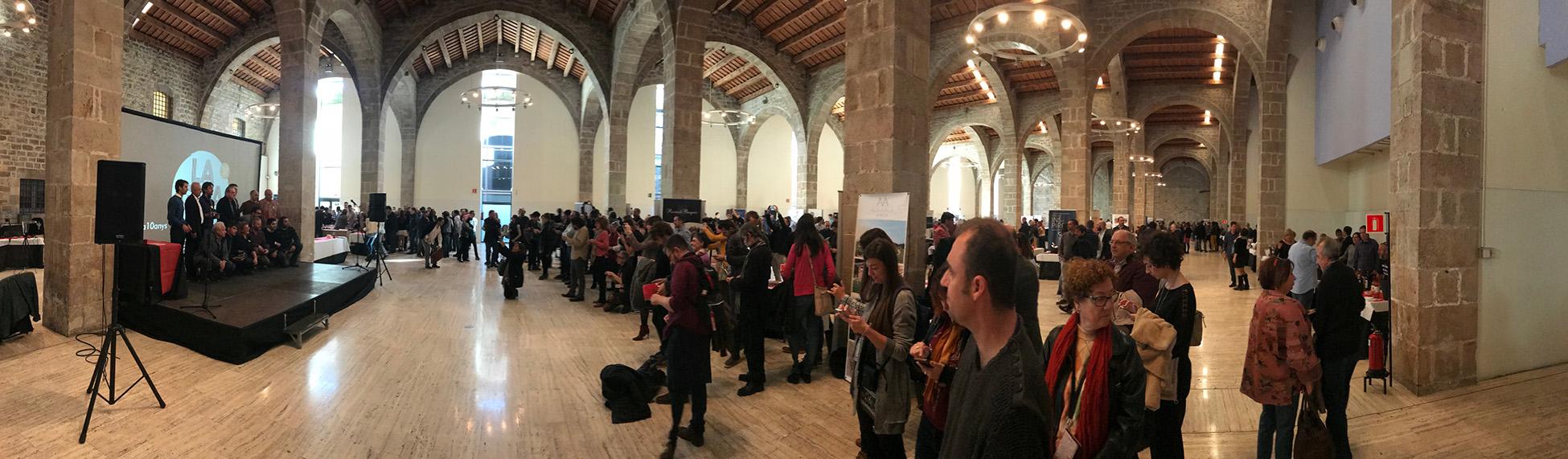 Foto panorámica de la fiesta presentación de La Guia de vins de Catalunya 2018